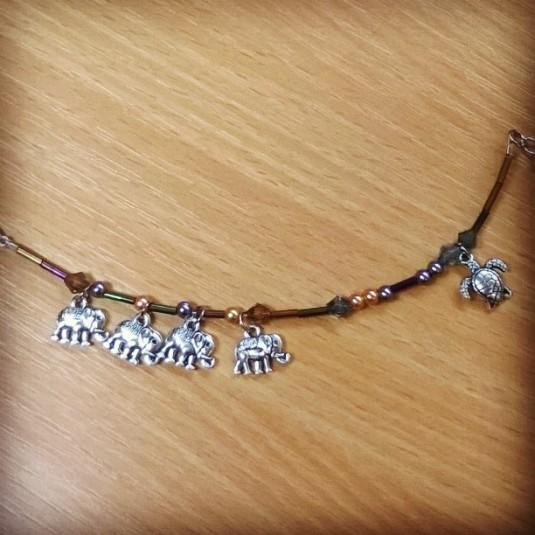 Disc themed bracelet